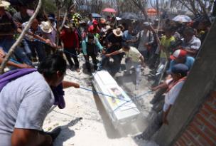 En Puebla, así se despiden de alumna del CCH Oriente
